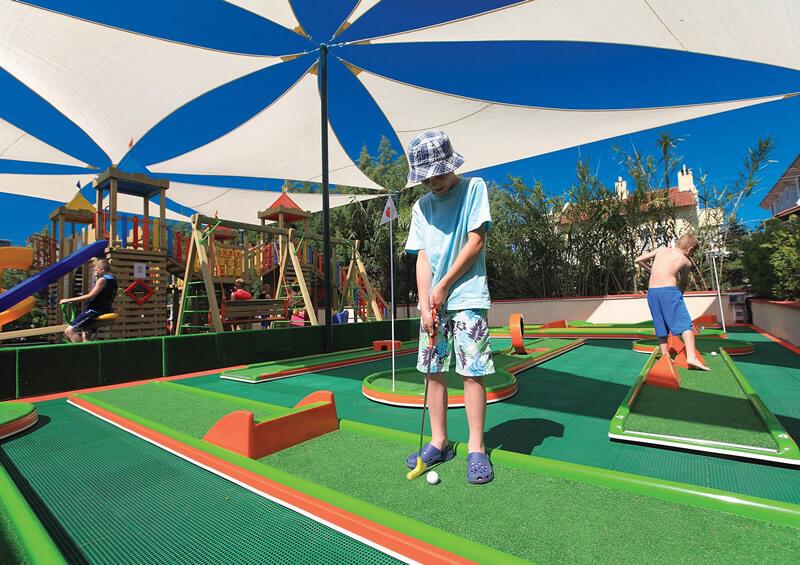 Crazy Golf 9 Hoyos