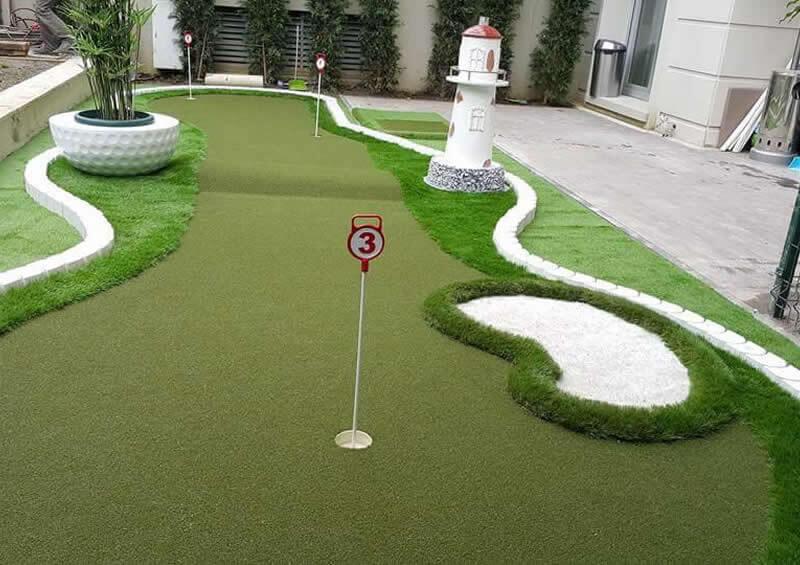 Putting Green Mini Golf